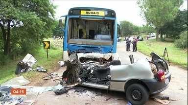 Grave acidente entre carro e ônibus causa a morte de sete jovens em Sertãozinho, SP - Ocupantes do carro teriam acabado de sair de uma festa, em plena quarentena.