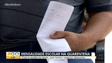 Pais tentam negociar mensalidade das escolas em Goiás - Durante isolamento, crianças e adolescentes têm ficado em casa e não nas unidades de educação.