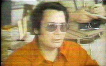O suicídio em massa dos membros da seita de Jim Jones - Mais de 900 seguidores da seita Templo do Povo tomaram veneno, a mando do reverendo Jim Jones.