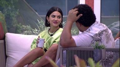 Manu brinca com Mari na frente de Babu: 'Nós no Paredão e o Babu lá, de figurante' - Manu brinca com Mari na frente de Babu: 'Nós no Paredão e o Babu lá, de figurante'