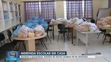 Famílias de alunos da rede pública de SC recebem kit alimentação - Famílias de alunos da rede pública de SC recebem kit alimentação
