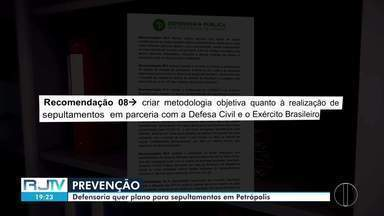 Logística para sepultamentos coletivos entra em discussão em Petrópolis, no RJ. - Objetivo é que não haja, durante a pandemia de coronavírus, falta de gavetas, como em 2018.
