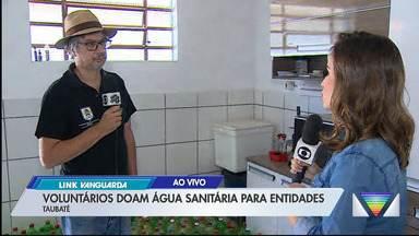 Voluntários fazem doação de produtos de limpeza para entidades sociais de Taubaté - Veja na reportagem.