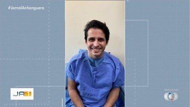 'Seu Waldemar' agradece orações após se recuperar do coronavírus e deixar UTI em Goiânia - Apresentador da TV Anhanguera teve alta da UTI após 32 dias internado para o tratamento da Covid-19.