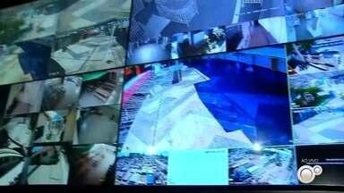 Araçatuba tem movimento tímido no comércio em sábado após flexibilização da quarentena - Araçatuba tem movimento tímido no comércio em sábado após flexibilização da quarentena.