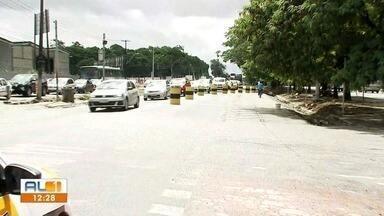 Trânsito no viaduto da antiga PRF, em Maceió, é alterado - AL1 mostrou a interdição no trânsito.