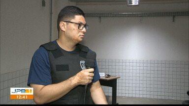 Três pessoas são presas acusadas de aplicar golpes na venda de carros - Prisão de estelionatários em João Pessoa.