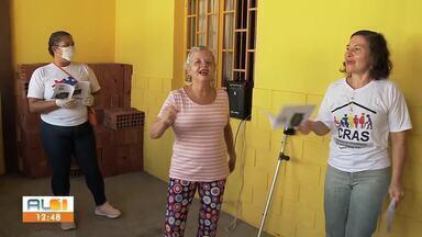 Cras da área lagunar de Maceió faz ação para levar atividades lúdicas aos idosos isolados - O objetivo é mantê-los ativos e com a mente ocupada durante esse período.
