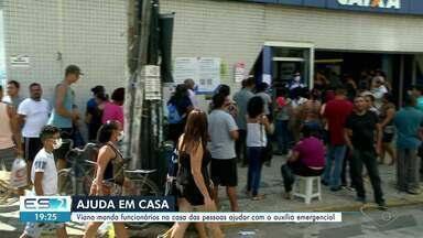 Prefeitura de Viana, ES, manda funcionários para ajudar com o auxílio emergencial - Funcionários da prefeitura vão às casas dos trabalhadores do município.
