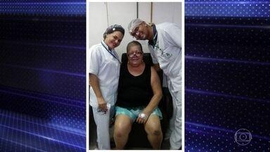 Parentes de pacientes internados no Recife enfrentam situação delicada - Eles não podem ficar nos hospitais, mesmo quando o doente não tem o novo coronavírus. Muitos parentes têm encontrado grande dificuldade para conseguir alguma informação.