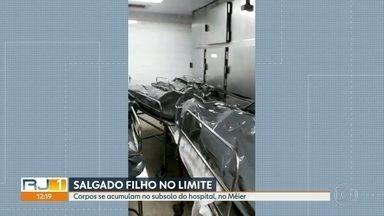 Corpos se acumulam no Hospital Salgado Filho - Necrotério está lotado. Direção disse que já alugou contêiner frigorífico.