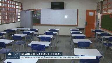 Secretaria da Educação entrega plano de reabertura das escolas para o governador - Ibaneis Rocha também vai ouvir a Secretária de Saúde e a Codeplan antes de tomar uma decisão.