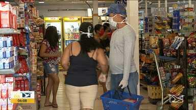 Associação de supermercadistas diz que não haverá desabastecimento no MA durante pandemia - Muitos consumidores na dúvida aproveitaram o domingo (3) para fazer as compras nos supermercados em São Luís.