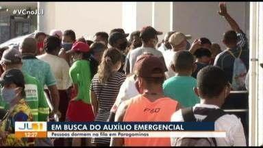 Em busca do benefício de R$ 600, população se aglomera em filas em Paragominas - Em busca do benefício de R$ 600, população se aglomera em filas em Paragominas
