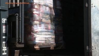 Famílias de estudantes da rede estadual recebem kits de merenda escolar em Erechim - Coordenadoria de Educação está repassando recursos que seria da alimentação nas escolas para compra de alimentos.
