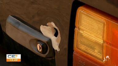 Tiros atingem carro e portão da garagem de pai de vereador em Barbalha - Saiba mais em g1.com.br/ce