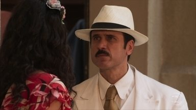 Ernesto percebe que Filomena passou a noite fora e a pressiona para posar nua para ele - Candinho afirma que não desistirá de Filomena