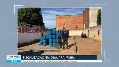 Procon fiscaliza postos de combustíveis e distribuidoras de gás em Guajará-Mirim - Ação ocorreu em 10 empresas da cidade durante domingo (3) e esta segunda-feira (4).