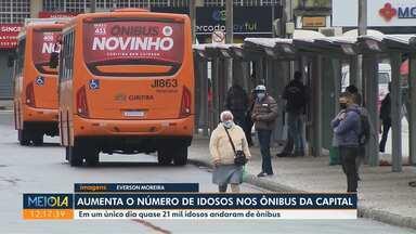 Aumenta número de idosos nos ônibus de Curitiba - Em um único dia, quase 21 mil idosos usaram o transporte público da cidade