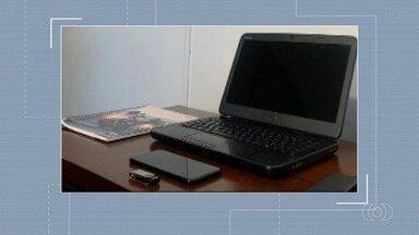 Polícia prende suspeitos de criar site falso igual ao Detran, em Aparecida de Goiânia - Objetivo era invadir dispositivos do sistema do Detran, conseguir adulterar ou destruir dados e informações sigilosas.