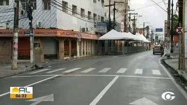 Rua do Sol é parcialmente interditada - Motivo é a organização para evitar aglomerações na porta da Caixa Econômica do local.