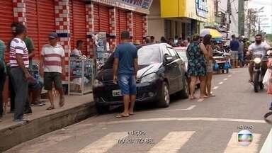 Em Manaus, uso de máscaras passa a ser obrigatório em comércios essenciais - Em Manaus, a partir desta segunda (11) passa a ser obrigatório o uso de máscara no transporte público e nos serviços essenciais.