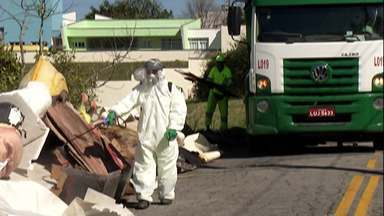Operação Cata Tranqueira de Mogi mantém trabalhos durante a pandemia do coronavírus - Objetivo é evitar que móveis e outros objetos sejam deixados em terrenos e córregos.