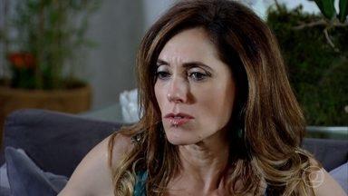 Tereza Cristina tem ideia para sabotar Griselda - Marilda, sem querer, ajuda em plano de Tereza Cristina contra Griselda