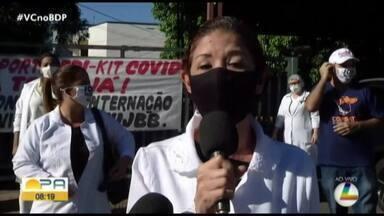 Funcionários do Barros Barreto prostestam em frente ao Hospital - Os profissionais denunciam não ter os EPIs necessários para a proteção.