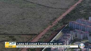 Lama dá lugar à poeira em Santa Maria - O semestre já está no fim e nada das obras prometidas pelo DER.