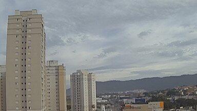 Previsão do tempo: Alto Tietê pode ter pancadas de chuva nesta quarta - Pancadas de chuva podem ocorrer à tarde ou à noite e a nebulosidade deve continuar nesta quinta-feira (14).