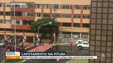 Dois carros se envolvem em batida próxima à antiga sede central dos Correios - Ainda não há informações sobre vítimas.