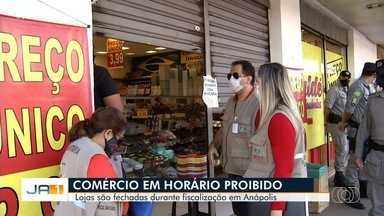 Lojas são fechadas durante fiscalização em Anápolis - Comércio estava aberto fora do horário de funcionando estabelecido pela prefeitura.