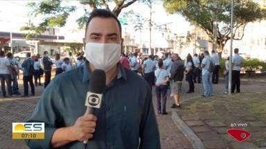 Vem Cá, Bom dia: Rodoviários fazem protesto em Vitória - Na manhã desta segunda-feira (18), eles se concentraram na praça de Jucutuquara, em Vitória.