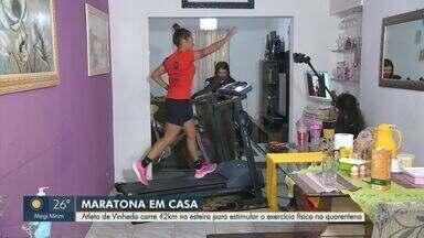 Atleta de Vinhedo corre 42 km na esteira para estimular o exercício físico na quarentena - As autoridades reforçam a recomendação de ficar em casa, mas isso não impede a maratonista Priscila Pereira, de Vinhedo (SP), de correr.
