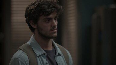 Eliza termina seu relacionamento com Jonatas - Leila defende Jonatas e Fabinho se irrita. Germano explica que deu mais uma chance para seu funcionário