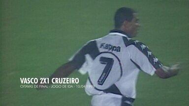 Em 1998, Vasco marca duas vezes contra o Cruzeiro pelas oitavas da Libertadores - Em 1998, Vasco marca duas vezes contra o Cruzeiro pelas oitavas da Libertadores