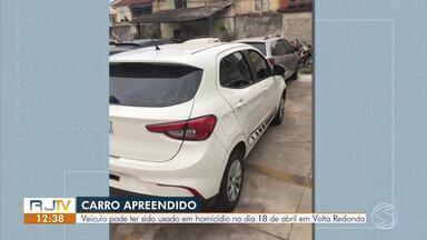 Homem é preso com carro roubado usado em assassinato em Volta Redonda - Suspeito foi preso no bairro Eucaliptal. Veículo foi utilizado no homicídio de João Victor Gessel Carvalho, no dia 18 de abril, segundo a Polícia Civil.