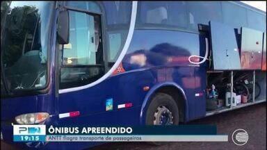 ANTT flagra ônibus com transorte irregular de passageiros vindo de São Paulo para Valença - ANTT flagra ônibus com transorte irregular de passageiros vindo de São Paulo para Valença