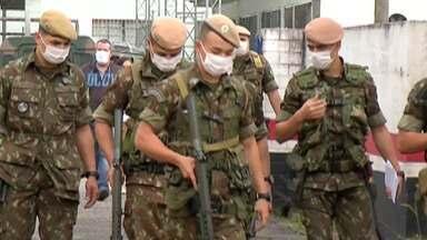 Exército faz ação de higienização em Santa Isabel - Soldados trabalharam em espaços públicos da cidade.
