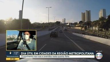 Dia útil em cidades da Região Metropolitana - O movimento nas ruas e avenidas nesta quarta-feira (20)..