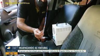 Empresa usa tecnologia para higienizar viaturas da Brigada Militar em Caxias do Sul - Sistema de limpeza espalha gás carbônico pelo veículo, o que elimina os microorganismos.