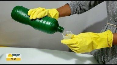 Conselho Federal de Química produz cartilha com orientações no uso da água sanitária - Dosagem errada do produto, usado na limpeza de superfícies na prevenção do novo coronavírus, pode provocar problemas de saúde.