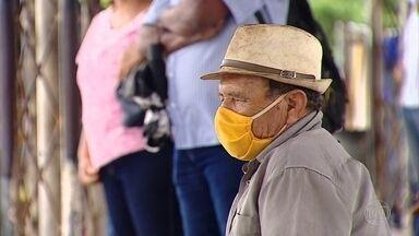 Prefeitura de Aracaju suspende passe livre de idoso nos transportes públicos - A medida vale nos horários de pico, no inicio da manhã e no fim da tarde, e tem como objetivo diminuir a contaminação do coronavírus nos transportes públicos.