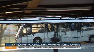Número de passageiros aumenta no transporte público de Curitiba - Movimento diário é 16% maior do que em abril.