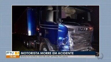 Batida frontal entre carro e carreta mata homem em Presidente Prudente - Acidente foi na Rodovia Júlio Budiski.