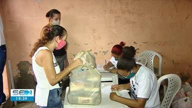 Veja como foi a distribuição de alimentos arrecadados no Forrozão Solidário - Veja como foi a distribuição de alimentos arrecadados no Forrozão Solidário.