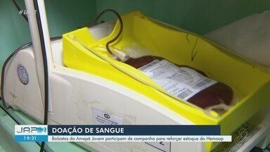 Bolsistas do Amapá jovem participam de campanha para reforçar estoque do Hemoap - Campanha visa aumentar estoque de sangue que diminuiu durante pandemia do novo coronavírus.