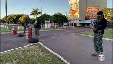 Paraguai reabre comércio e mantém fronteira com o Brasil fechada - Governo paraguaio autoriza abertura de lojas de até 800 metros quadrados. A fronteira com o Brasil permanece fechada.