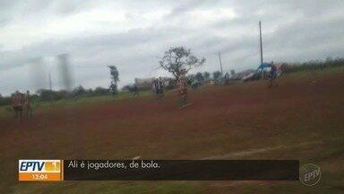Futebol de várzea desafia isolamento social em Ribeirão Preto - Flagrante foi feito na zona norte da cidade.